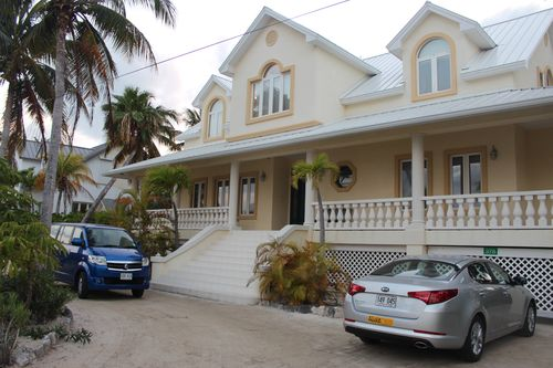 Cayman 395