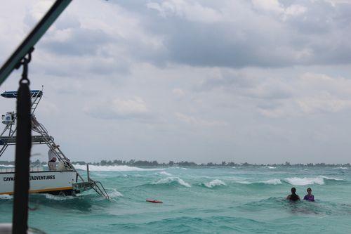 Cayman 348